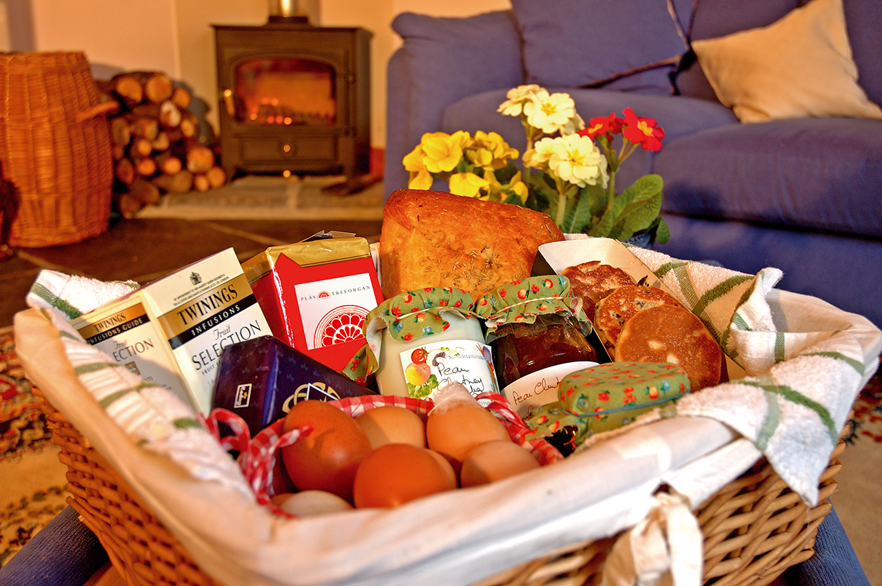 holiday-cottage-wales-the-creamary-welcome-hamper